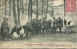 N°29259 -cpa Infanterie En Campagne -le Café- - Manovre
