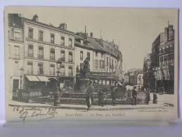 (93) - SAINT OUEN - LA PLACE AUX GUELDRES - ANIMEE - DOS SIMPLE - 1901 - Saint Ouen