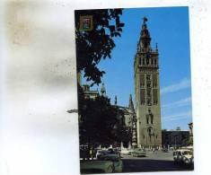Sevilla   (La  Giralda ) Et La Rue Animée Voitures - Sevilla
