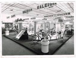 Photo Documents : Salon Du Cycle De Gand - Fédération Nationale Des Détaillants Du Cycle - Cyclisme