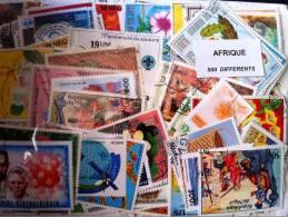 AFRIQUE Lot 300 Timbres Tous Differents Neufs Et Oblitérés - Timbres