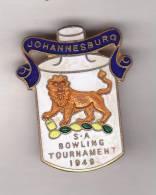 South Africa: BOWLING TOURNAMENT JOHANNESBURG 1949 Enamel Lapel Badge - Bowls - Pétanque