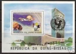 Guinea-Bissau: 'UFO In Space - Unicef - UNO, 1979', Mi. Bl. 140 A; Yv. BF 20 ** - Space