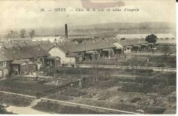GIVET - Cités De La Soie Et Usine D'engrais N°36 (tache Visible Au Dessus Du Titre, Logements & Jardins Ouvriers) - Givet