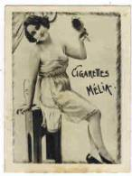 "CHROMO EROTIQUE FEMMES  PIN UP Cigarettes MELIA  : "" Femme Au Miroir  "" - Melia"