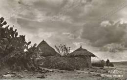 Ethiopia -Etiopia, Tukuls On The Road To Bishoftu  ,old Postcard - Äthiopien