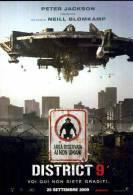 POSTCARD PROMOCARD FILM MOVIE DISTRICT 9 2009 TEMATICA THEMATIC UFO ALIEN - Pubblicitari