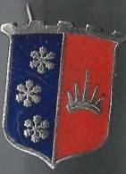 Insigne / Blason Avec Trois Flocons De Neige/ émail Cloisonné/origine Indéterminée /vers  1950   D212 - France