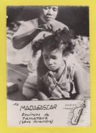 MADAGASCAR   ENVIRONS DE TAMATAVE COIFFEUR  ! ! ! - Madagascar