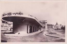 03 VICHY, La Gare Routière, La Poste, L'Hotel De Ville, Glacée - Vichy