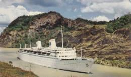 "Swedish American Line De Luxe Cruise Liner Steamship  ""KUNGSHOLM"" Passing Through Gaillard Cut, Panama Canal - Dampfer"