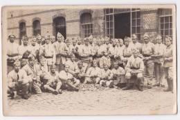 Carte-Photo - Groupe De Militaires Du 152e RI - Corvée De Peluches, Voir Colmar - To Identify