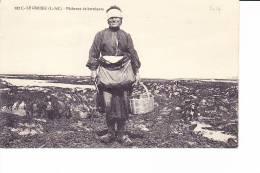 LE CROISIC  --  Pêcheuse De Berniques - Le Croisic