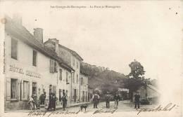 LES GRANGES-DE-MONTAGNIEU LA PLACE ET MONTAGNIEU ANIME HOTEL CHARRIOT 1900 AIN - Francia