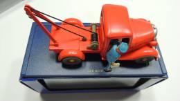 TINTIN CAR VOITURE REF ATLAS 59 BLACK GOLD PAYS OR NOIR PICK UP BOX SEE PHOTO - Tintin