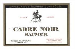 Etiquette De Vin De Saumur Demi Sec  -  Cadre Noir  -  Cie Frse Des Grds Vins à Saumur (49) - Thème Cheval - Etichette