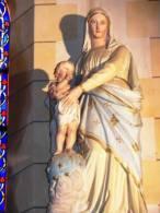 VAEpleu02 - PLEURTUIT - Statue De La Vierge à L'Enfant Dans L'église - France