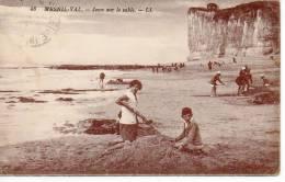 Mesnil-Val. Jeux Sur Le Sable. - France