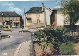 Meyssac 19 -  Rond-Point Postes