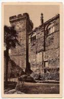 CP Castelnau Château De  Cour Intérieure La Galerie Et Le Donjon 46 Lot - France