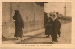 Réf : D-13-357 : Balkan Typen Drei Türkische Schönheiten - Albanie