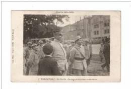 CPA : Poilu's Park : En Famille - Le Papa Et Ses Enfants En Récréation : Fondateur Du Parc Avec Des Soldats Autour De Lu - Guerre 1914-18