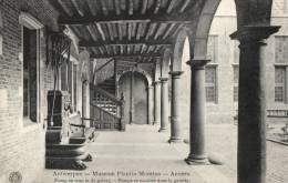 BELGIQUE - ANVERS - ANTWERPEN - Muséum Plantin-Moretus - Pomp En Trap In De Galerij - Pompe Et Escalier Dans La Galerie. - Antwerpen