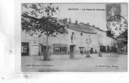 Matour La Place Et Grande Rue - France