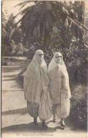 Algérie - Mauresques En Promenade - Women