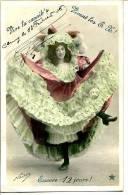 2 Scans - Photo NADAR - Danseuse Mimant La Cannib's - Fête Des Gatz'arts - Folklore Arts Et Métiers -  Voir Description - Cluny