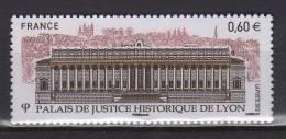 Série Touristique. Palais De Justice De Lyon. Vue Du Palais De Justice. - Neufs