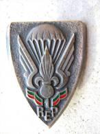 ANCIEN INSIGNE LEGION ETRANGERE PARACHUTISTE 1° REP ETAT EXCELLENT - Esercito
