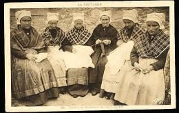 29 KERLOUAN / Coiffes Et Costumes Du Pays / - Kerlouan