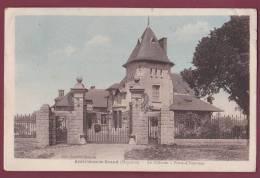53 - 190313 - AMBRIERES LE GRAND - Le Château - Porte D'honneur - Autres Communes