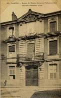 CPA 44 NANTES ENTREE DE L'ECOLE NATIONALE PROFESSIONNELLE (ANCIENNE INSTITUTION LIVET) - Nantes