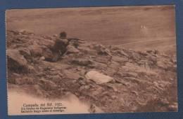 MILITARES - CP CAMPAÑA DEL RIF 1921 - UN TIRADOR DE REGULARES INDIGENAS HACIENDO FUEGO SOBRE EL ENEMIGO - Otras Guerras