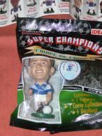 "FIGURINE  SPORT  FOOTBALL CORINTHIAN  "" LIZARAZU ""  EQUIPE DE FRANCE   1997 BORDEAUX BAYERN DE MUNICH - Figurines"