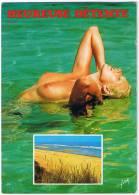 HEUREUSE DETENTE Blonde Aux Seins Nus - Pin-Ups