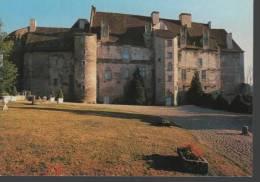 23 - BOUSSAC - Le Château  Et La Cour Intérieure - Boussac