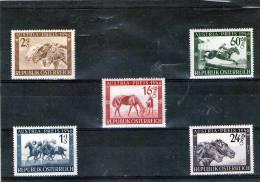 1946 - Austria / Chevaux  Mi 785/789 MH - Paarden