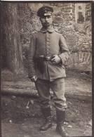 PHOTO CARTONNEE 165 X 105mm-Portrait Militaire Allemand Régiment  Tenue-Ceinturon-Revolver- Casquette-Cabinet-Portrai T- - Guerre, Militaire