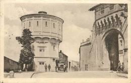 Réf : D-13-606 : Verdun Le Château D'eau (automobile) - Verdun