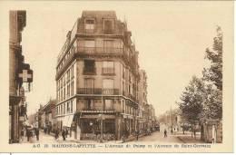 MAISONS-LAFFITTE - L'Ave De Poissy Et L'Ave De Saint-Germain - Café De La Rive - Très Animé - Maisons-Laffitte