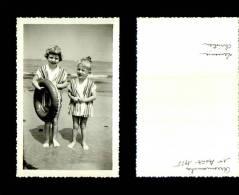 Photographie-257   Groupe  Scene De Vie Arromanches 1955 Plage    Photo Originale - Photographie