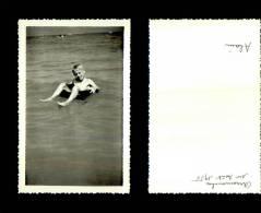 Photographie-258   Arromanches 1955 Enfant Plage    Photo Originale - Photographie