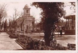 BATNA  Le Square Et L' Eglise - Batna