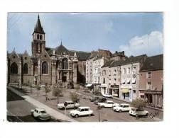 CSM :53 - Mayenne : Laval : Place De La Cathédrale : Cathédrale , Magasins , Voitures ... - Laval