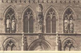 BELGIQUE - FLANDRE OCCIDENTALE - YPRES - YPER - Le Beffroi Et Statues Roi Albert Et Reine Elisabeth - Notre Dame De Thuy - Ieper