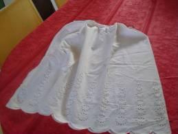 JUPON Tissu Léger Avec Broderie Anglaise En Bas - Autres