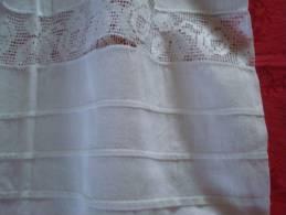 Ancien JUPON Tissu Léger Avec Petits Plis Et Entre Deux En Dentelle - Autres